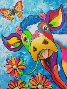 vrolijke-koe-met-vlinder-en-bloemen